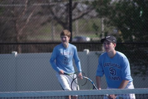 Tennis Team LOVEing District Glory