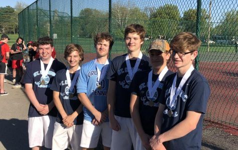 Boys' Tennis Headed to Districts