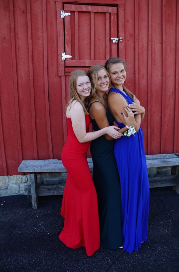 Want prom to be perfect? Check out these simple life hacks to make your prom better!