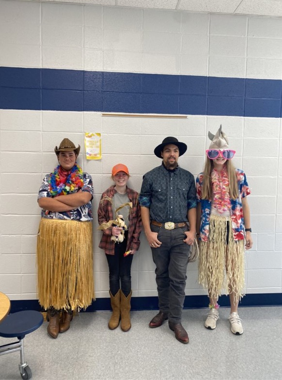 Country vs. Costal winners was a hit! Here are the winners,one from each grade!